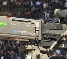 De Laurentis e stallo diritti TV
